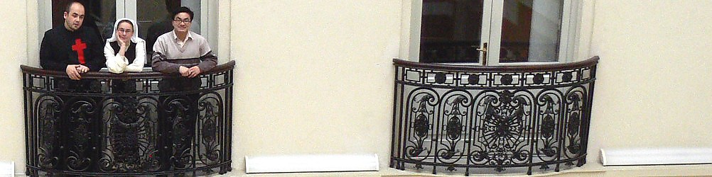 Sapientia Szerzetesi Hittudományi Főiskola Könyvtára:A Főiskola könyvtárában jelenleg 50.000 kötet könyv és 16.000 kötet folyóirat található. A könyvtári állomány összetétele: 45% magyar nyelvű, 40% német, 15% angol, francia, olasz nyelvű teológiai szakirodalom.